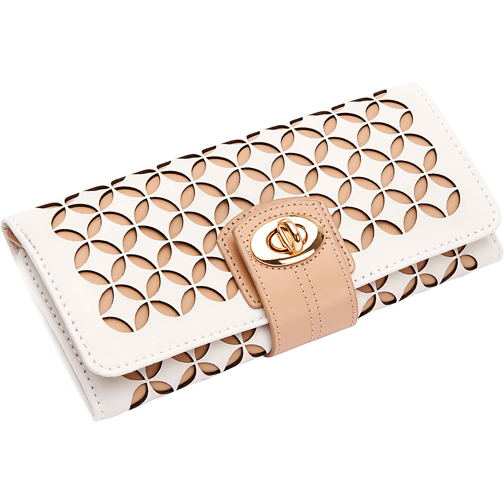 WOLF Chlo Jewelry Roll Cream - WOLF Packing Aids Chloé Jewelry Roll Cream. A delicately constructed leather jewelry roll, the Chloé accentuates the beauty of leather and pattern combined.