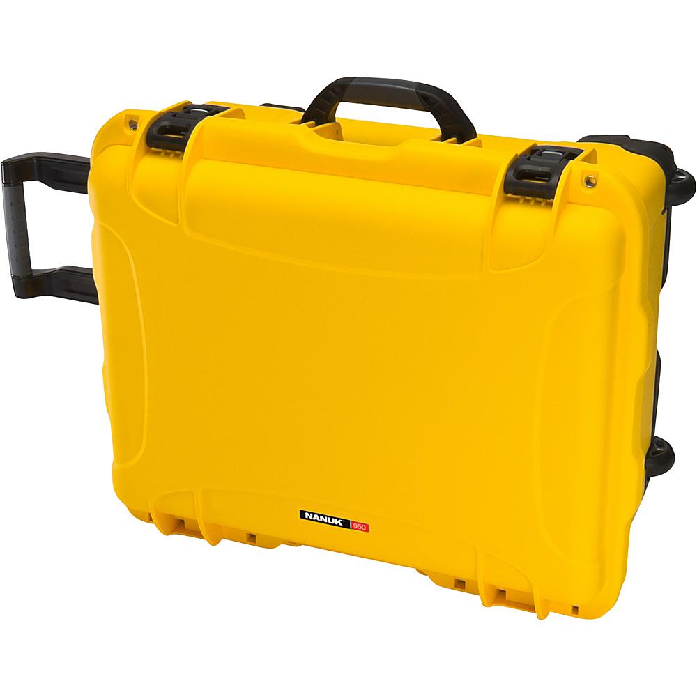 NANUK 950 Case With Foam Yellow NANUK Hardside Checked